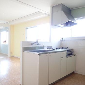 実はキッチンには、グリーンが!まるでフルーツサンド!※写真はクリーニング前です。