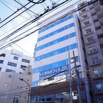 8階建ての建物の最上階です