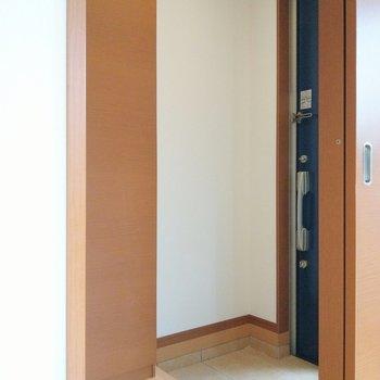 玄関も広々スペース。