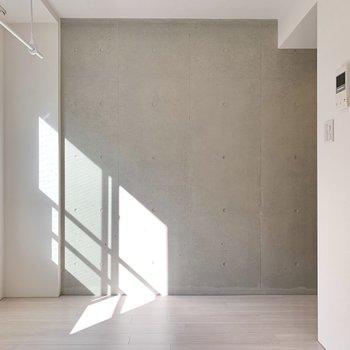 内装にも打ちっ放しが見られ、デザイン性の高さを感じます。※写真は前回募集時のものです