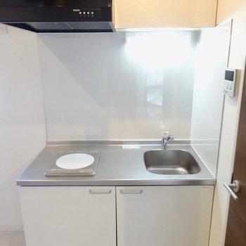 【LDK】コンパクトなキッチン※写真は前回募集時のものです