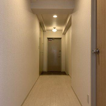 広々とした廊下です。