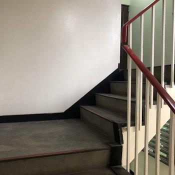 お部屋までの階段はゆるやかで登りやすかったですよ。