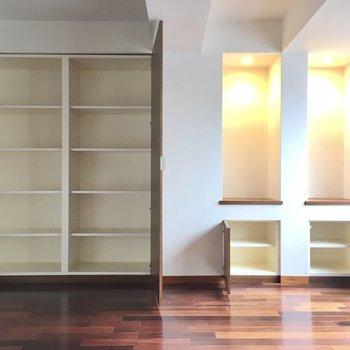 収納がとっても多いね。本棚として使うのも◎(※写真は清掃前のものです)
