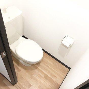 トイレはシンプルで落ち着きますね。