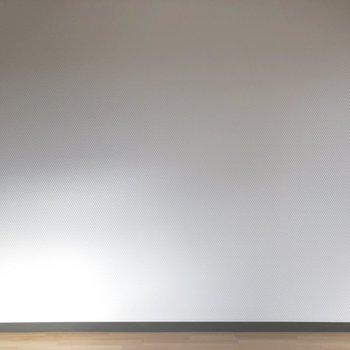壁、近づいて見てみると...