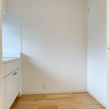冷蔵庫はコーナーに置けますね。