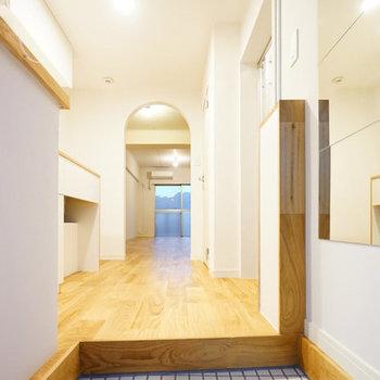 玄関もかわいいです!※写真は似た間取りの別部屋です