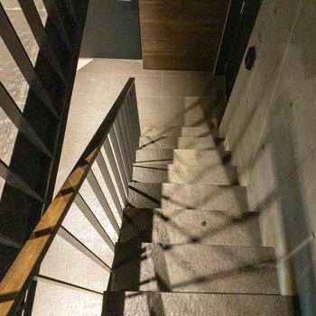 階段も芸術作品のようでした。
