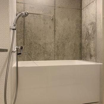 お風呂へ。