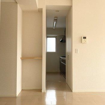 こちらはキッチンへの入り口