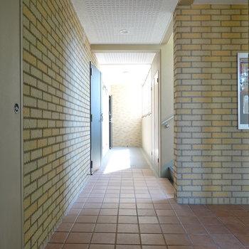 エントランスに入ってすぐがお部屋の玄関。