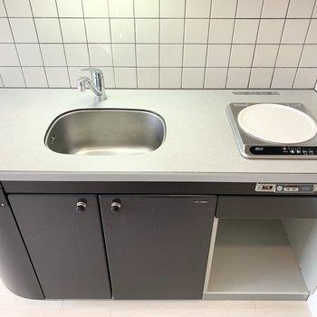 1口IHコンロのキッチンです。作業スペースもきちんと。