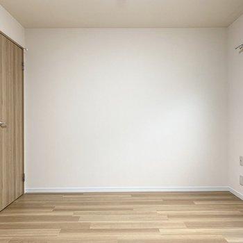 【洋6.6】こちらは6.6帖の洋室です。