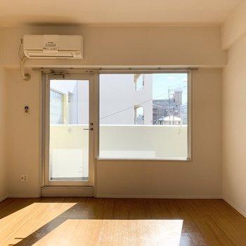 シンプルなひとり暮らしのお部屋です。