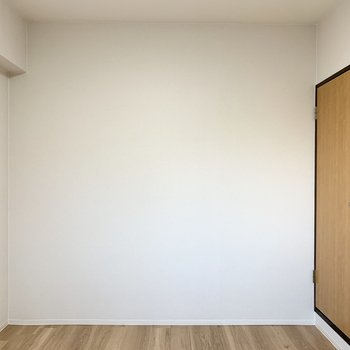 【洋5】シンプルな5帖のお部屋です。