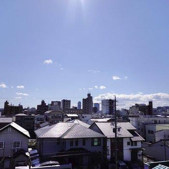 周りに高い建物が無いおかけで、スッキリと抜けの良い眺望◎