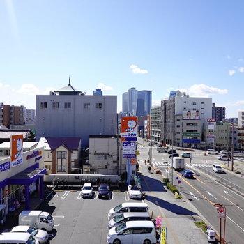 うーん気持ち良い眺望!奥には名古屋駅のビル群が見えます。