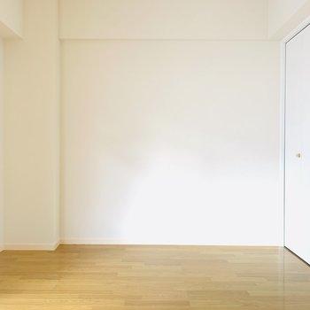 【洋6.2】シンプルな壁と床。どんな家具にもマッチしそうです。