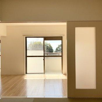 縁のない琉球畳でスッキリした和室。開放的に使ってもいいですね。