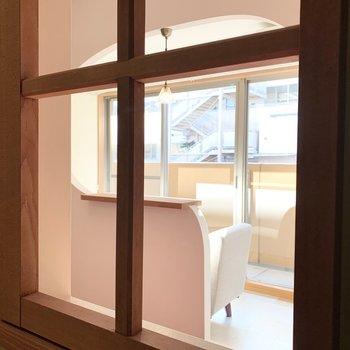 小窓からの眺めも素敵です◎