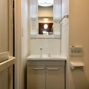 独立洗面台なので、朝の準備もしやすそうです。※写真は前回募集時のものです