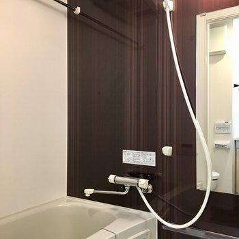 浴室乾燥機付きのバスルーム。※写真は前回募集時のものです