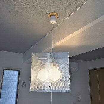 洋室の照明も一工夫。※写真は同タイプの別部屋
