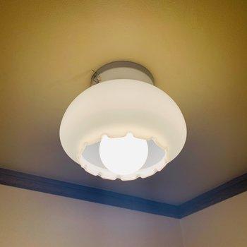 トイレの灯り。うん、うん、カワイイ!!!