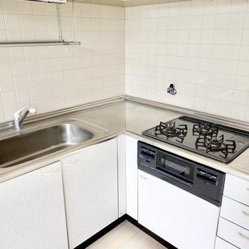 水切り棚もあり、スペースを気にせず調理ができそうです。