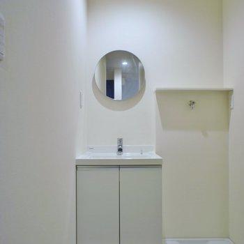 可愛らしい洗面所。※写真は、1階の同タイプのもの