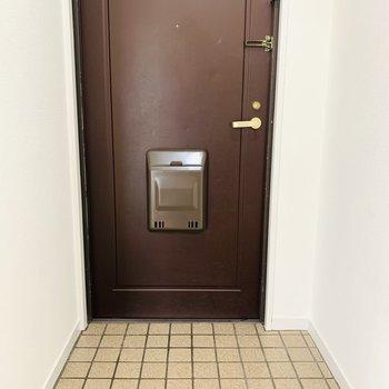 広めの玄関スペース。