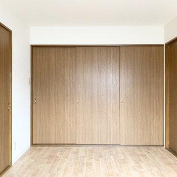 【洋6】もちろん引戸を閉じて個室にもなります。