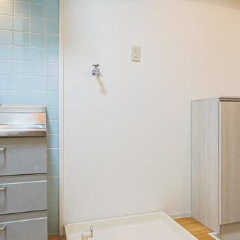 キッチンの右には冷蔵庫置き場。