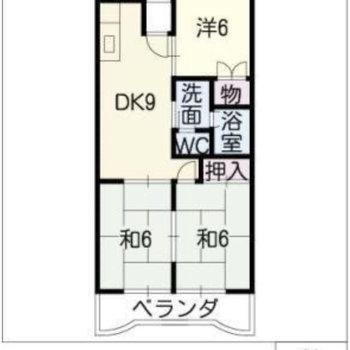DKを中心に個室が配置された家族にピッタリなお部屋。(※左の和室は洋室に変更されています。)