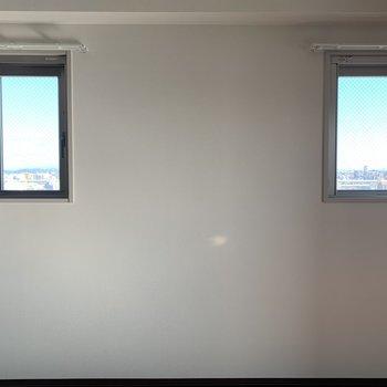 小窓でお部屋全体が明るく