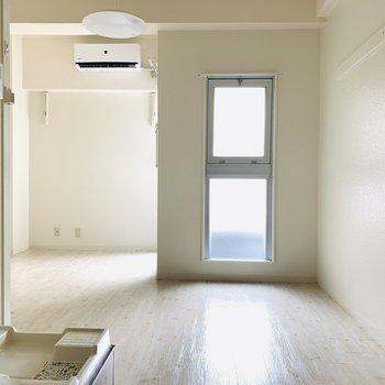真っ白なお部屋をあなた色に染めて。(※お部屋は通電前です。)