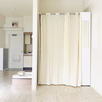 ココはベッドルームにしたいなぁ。(※お部屋は通電前です。)