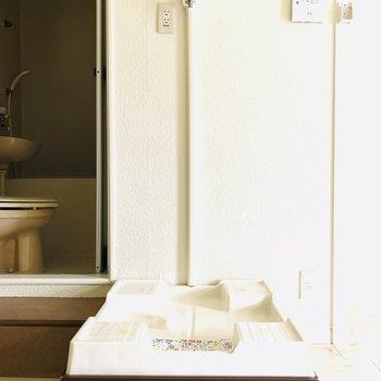 洗濯機置場はお洒落なデザインを選びたいですね。(※お部屋は通電前です。)