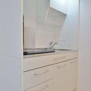 ワンルームでは珍しい独立型キッチン※写真は同タイプの別室。