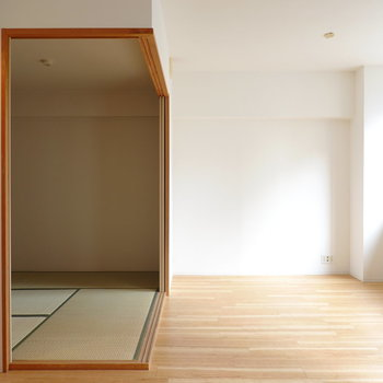 光の陰影が空間に素敵な表情を生む。なんと和室もあります。