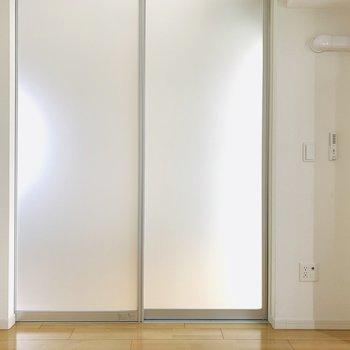 洋室にもエアコン設置可能でした!(※お部屋は通電前です。)