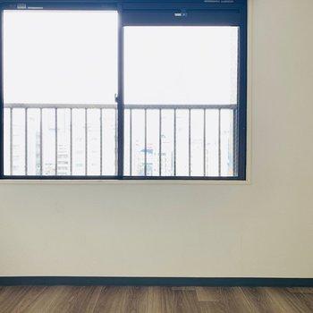 【洋4】ココの窓からは何が見えるかな...?
