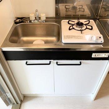 コンパクトな1口ガスコンロのキッチンです。
