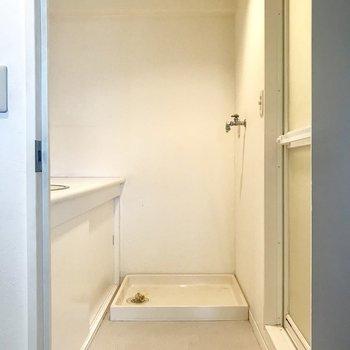 ゆったりサイズのサニタリー。※写真は3階の同間取り別部屋のものです