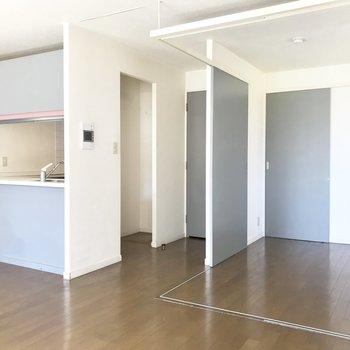 【LDK】開放感が気持ちいい※写真は3階の同間取り別部屋のものです