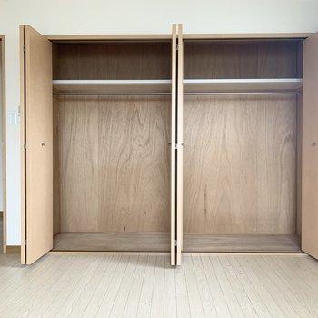 収納スペースは大きめで、横にも縦にも十分な広さ