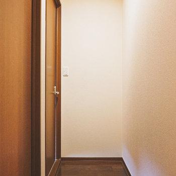 もう一度廊下に出ていちばん奥の和室へ。