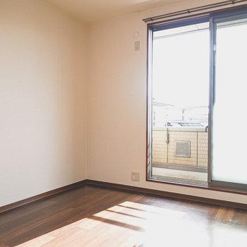 【洋5.5】南向きで日当たりの良いお部屋。個室、もしくは子ども部屋にピッタリ!