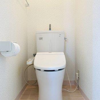 その前におトイレ。清潔感がありました。